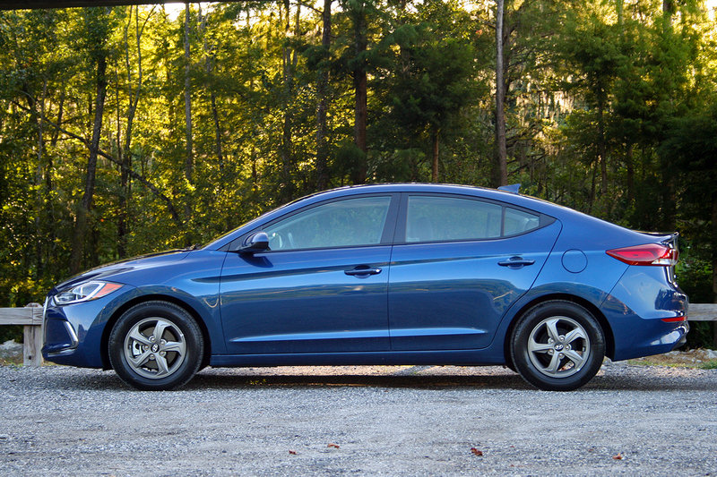 2017 hyundai elantra eco driven review top speed. Black Bedroom Furniture Sets. Home Design Ideas