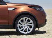 2017 Land Rover Discovery - image 689784