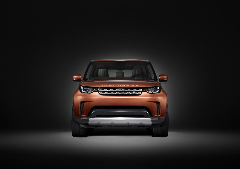 2017 Land Rover Discovery High Resolution Exterior - image 689795