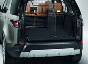 2017 Land Rover Discovery - image 689688
