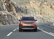 2017 Land Rover Discovery - image 689721