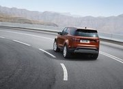 2017 Land Rover Discovery - image 689725