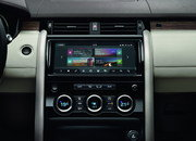 The 2017 Land Rover Discovery Gets 21st Century Tech - image 689738