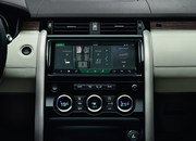 2017 Land Rover Discovery - image 689740