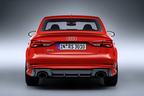 Continue reading to learn more about the 2018 Audi RS3 Sedan.