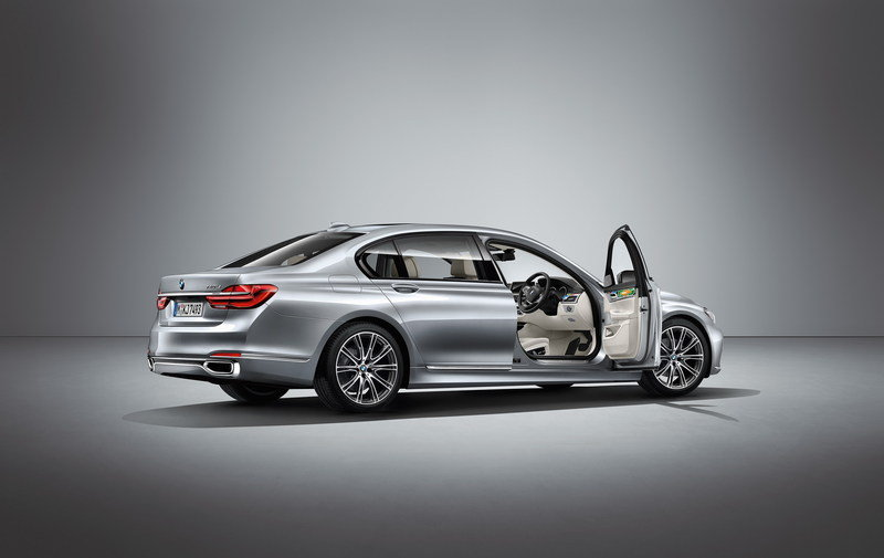 2016 BMW Individual 7 Series by Esther Mahlangu