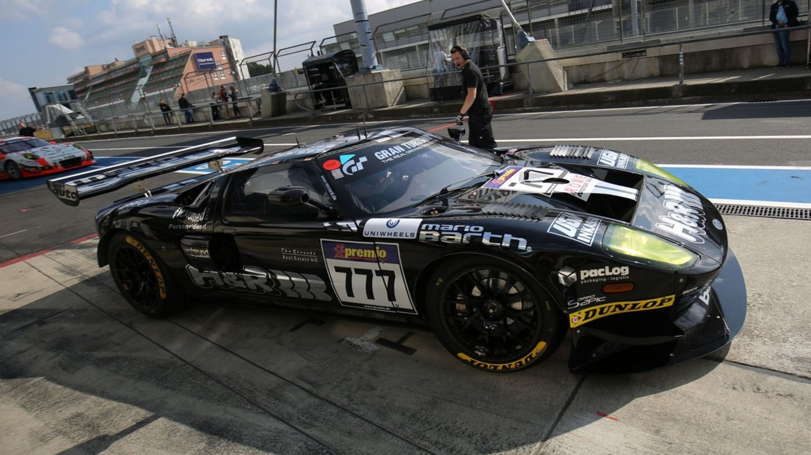 Ford Gt Racer Blitzes To A Vln Record Lap Time At The