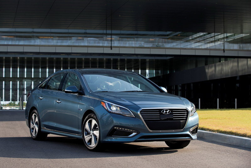 2017 Hyundai Sonata Plug-in Hybrid Electric Vehicle High Resolution Exterior - image 688075