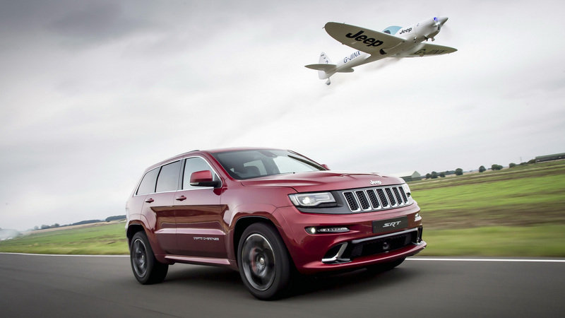 Jeep Grand Cherokee SRT Races An Aerobatic Plane