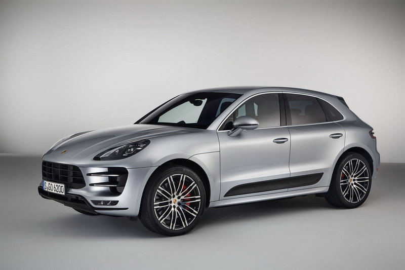 2017 Porsche Macan Turbo with Performance Package - image 686977