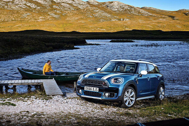 Wallpaper of the Day: 2017 Mini Countryman