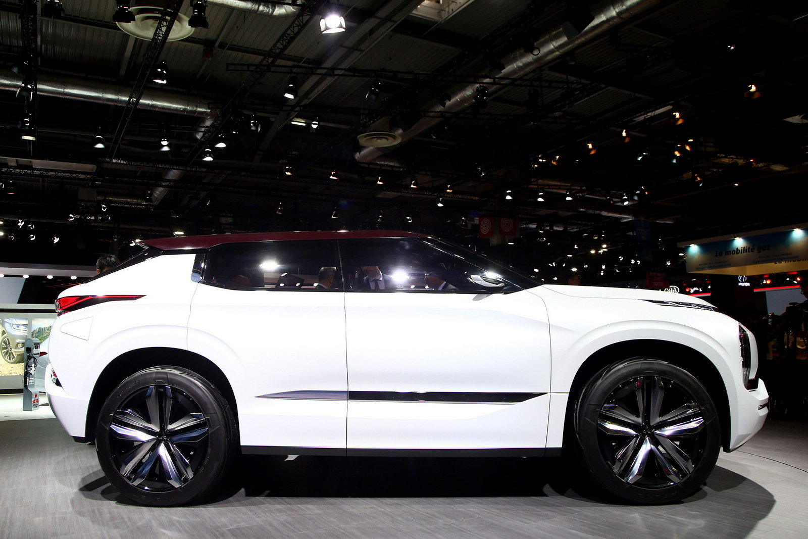 Cool 2016 Mitsubishi GTPHEV Concept  Picture 691176  Car