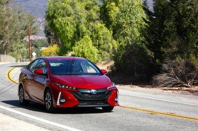 2017 Toyota Prius Prime – Driving Impression And Review - image 691345