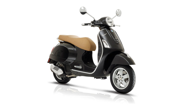 Piaggio Group Releases MY17 Info At INTERMOT