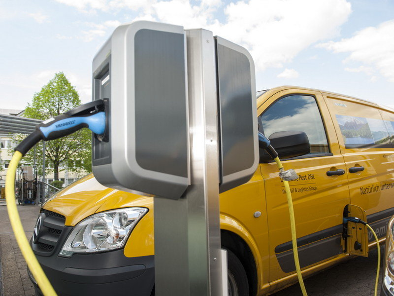 DHL Kicks VW While it's Down; Builds its own Electric Delivery Van High Resolution Exterior - image 691739