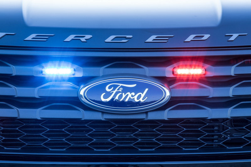 Ford Police Interceptor Utility Gets New Rear Spoiler Traffic Warning Lights