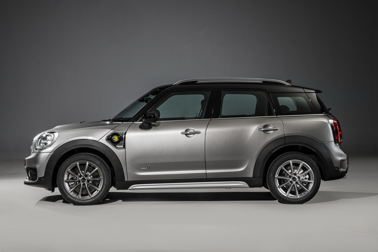 2017 mini cooper s e countryman all4 picture 693236 car review top speed. Black Bedroom Furniture Sets. Home Design Ideas