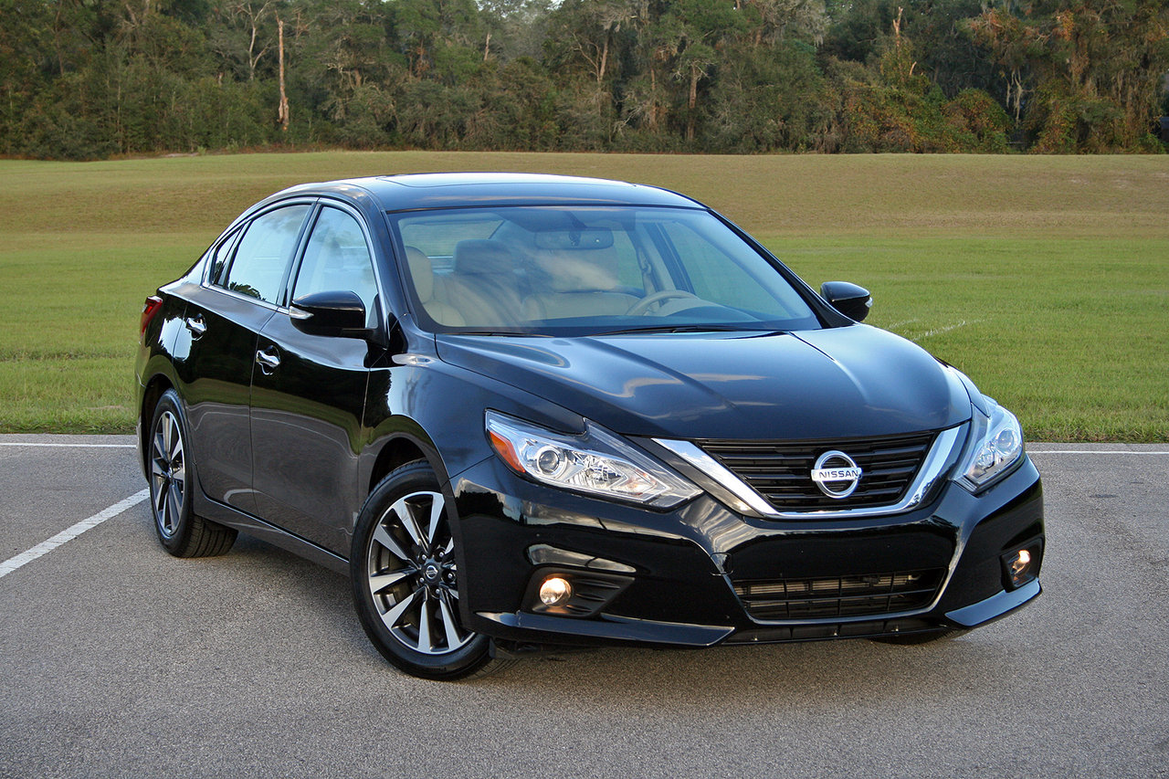 2016 nissan altima driven picture 693518 car review top speed. Black Bedroom Furniture Sets. Home Design Ideas