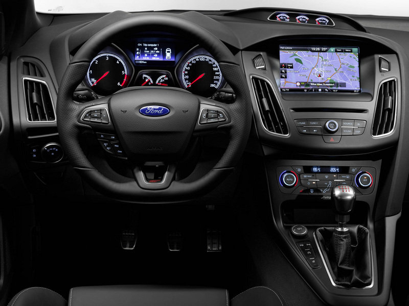 2015 Ford Focus ST - image 695395