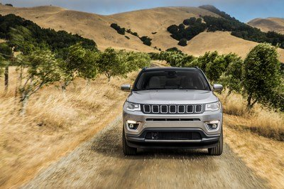 2017 Jeep Compass - image 696035