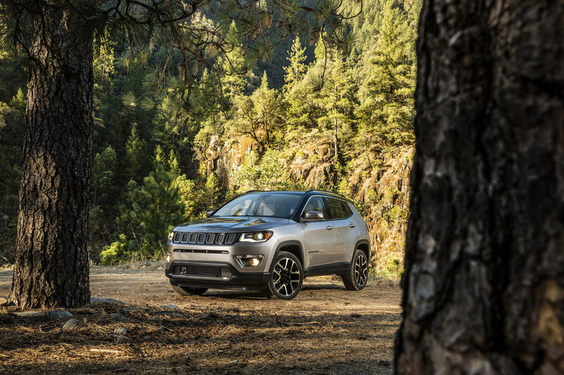 2017 Jeep Compass Arrives In L.A. with Grand Cherokee-inspired Design and Trailhawk Model High Resolution Exterior - image 696020