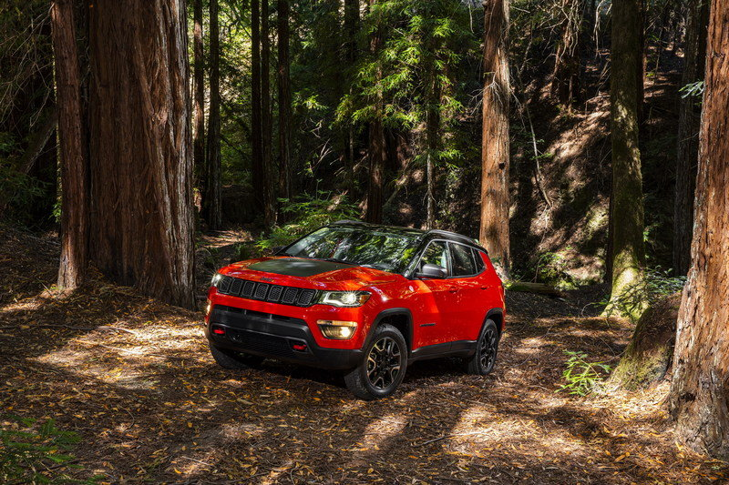 2017 Jeep Compass Arrives In L.A. with Grand Cherokee-inspired Design and Trailhawk Model High Resolution Exterior - image 696064