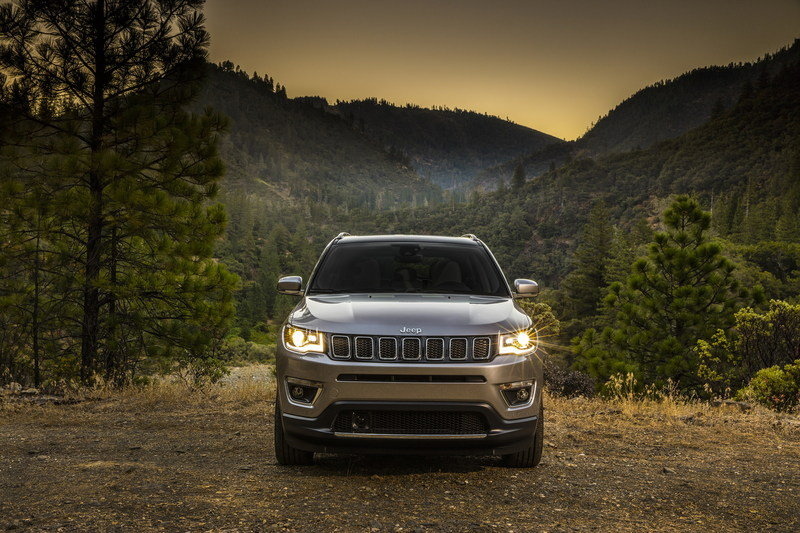 2017 Jeep Compass Arrives In L.A. with Grand Cherokee-inspired Design and Trailhawk Model High Resolution Exterior - image 696023