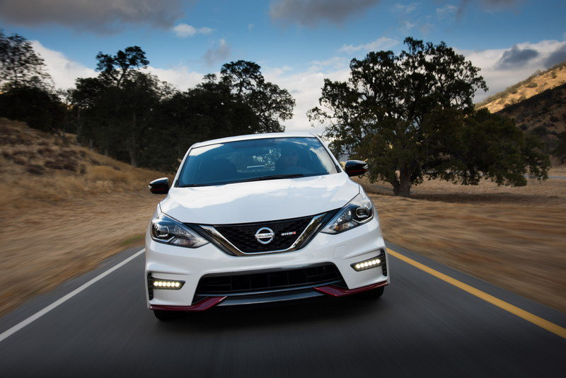 Nissan Sentra Nismo Unveiled at 2016 Los Angeles Auto Show