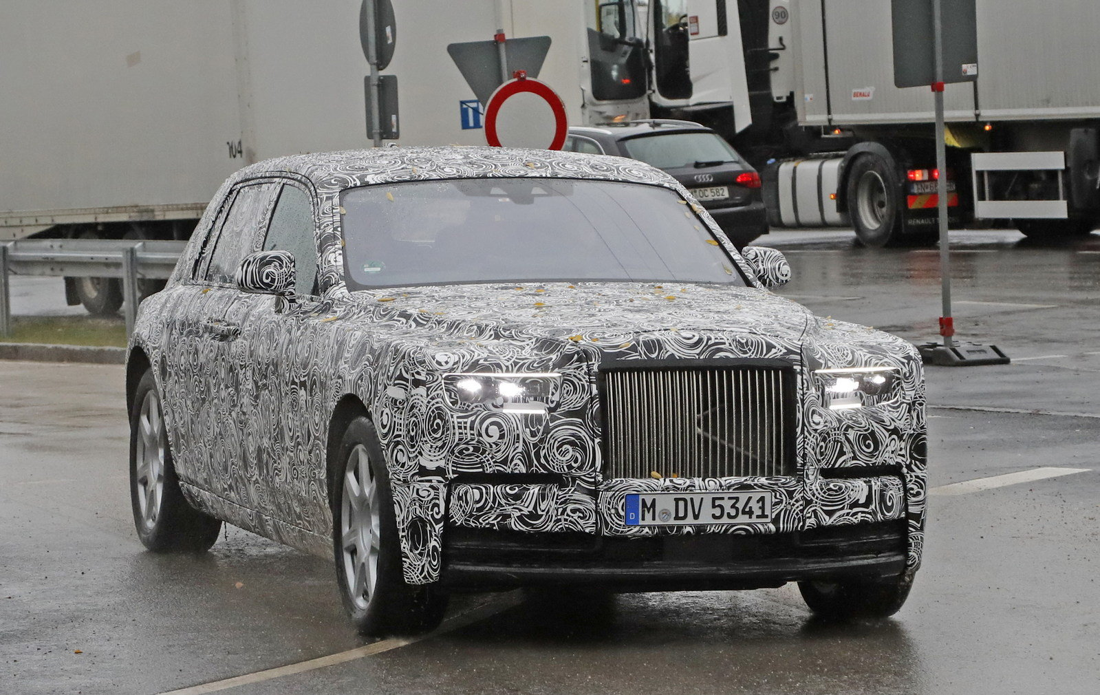 2018 rolls royce phantom picture 694265 car review top speed. Black Bedroom Furniture Sets. Home Design Ideas