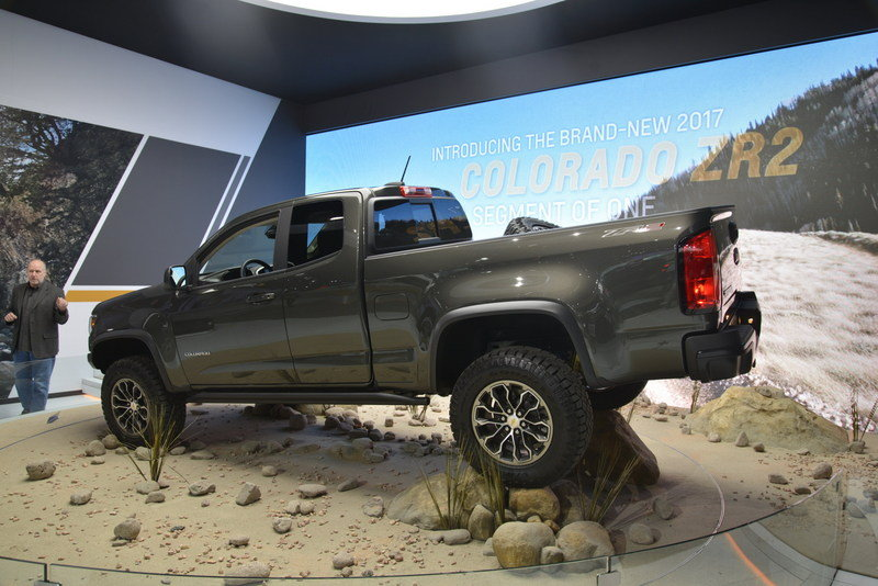 2017 Chevrolet Colorado ZR2 High Resolution Exterior AutoShow - image 696476
