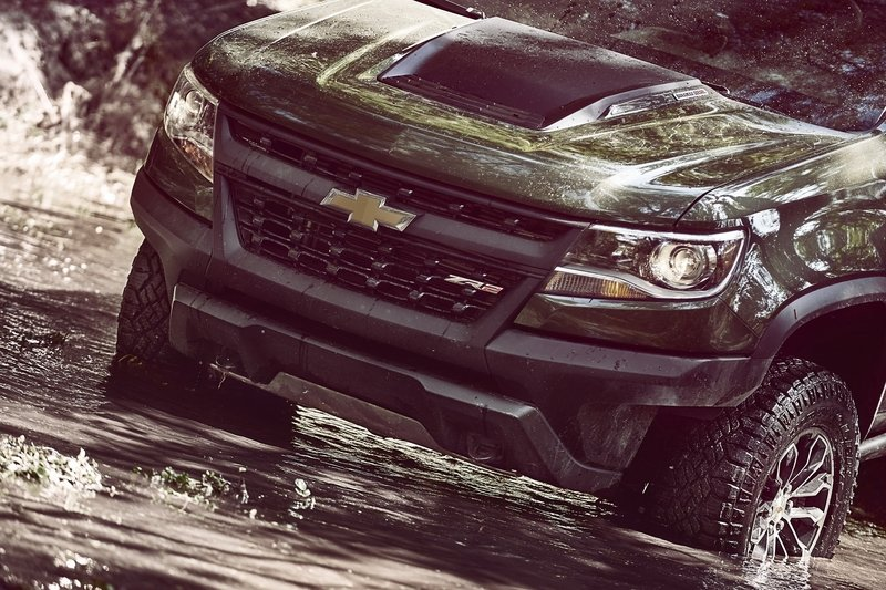 Chevy Colorado ZR2 Takes L.A. By Storm with Supercar Suspension - image 696957