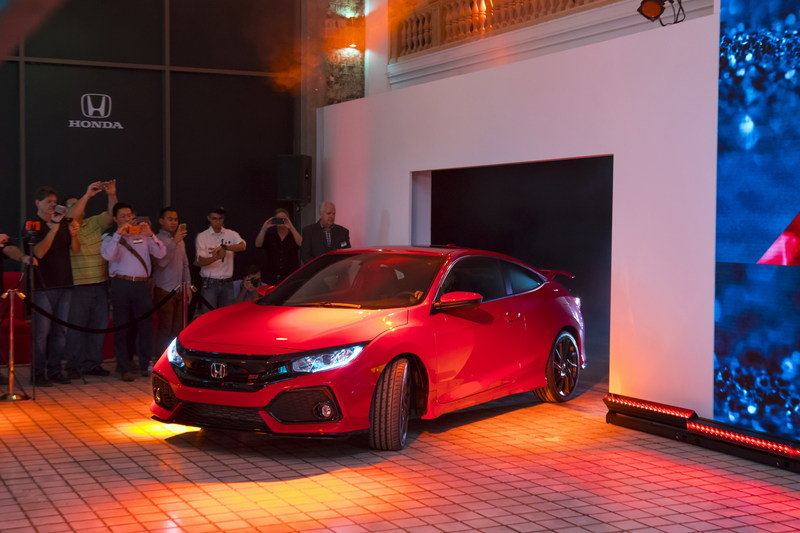 Honda Brings Civic Si Prototype to Los Angeles, Confirms 2017 Launch High Resolution Exterior AutoShow - image 695736
