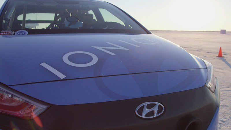 Hyundai Ioniq Hybrid Sets Speed Record At Bonneville Salt Flats