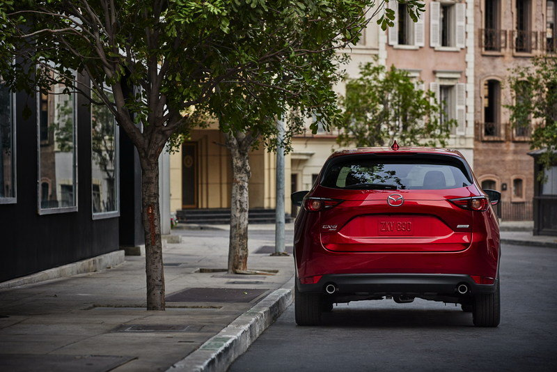 Mazda Redesigns CX-5 for 2017, Gives It CX-9 Features High Resolution Exterior - image 695589