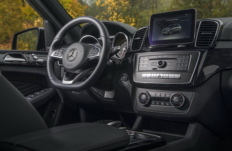 2017 Mercedes-AMG GLE43 High Resolution Interior - image 693889