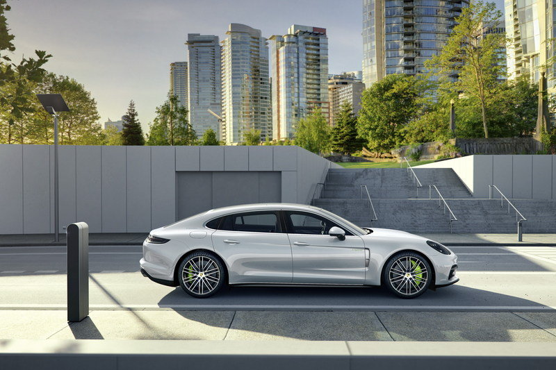 2017 Porsche Panamera Executive High Resolution Exterior - image 694808