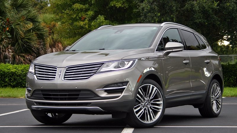2016 Lincoln MKC – Driven High Resolution Exterior - image 697920