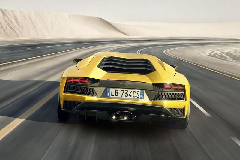 Lamborghini Aventador Could be Replaced by Hybrid Hypercar but the Brand Will Avoid Self-Driving and All-Electric Tech High Resolution Exterior - image 698830