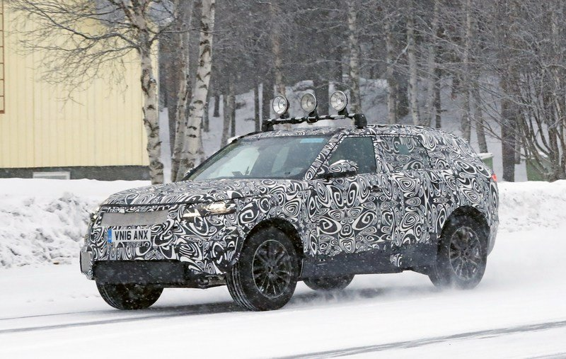 2018 Land Rover Range Rover Sport Coupe Exterior Spyshots - image 699651