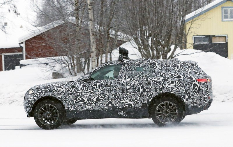 2018 Land Rover Range Rover Sport Coupe Exterior Spyshots - image 699654