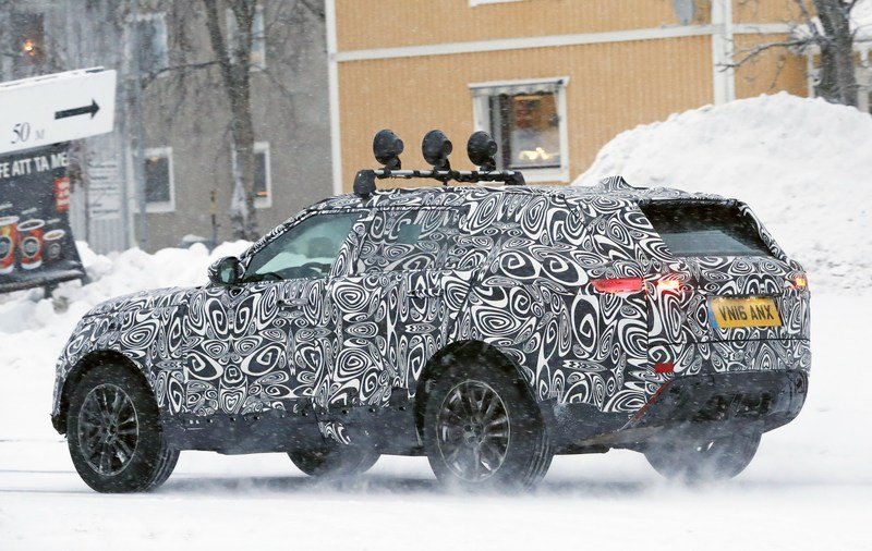 2018 Land Rover Range Rover Sport Coupe Exterior Spyshots - image 699657