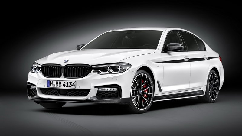 2016 BMW 5 Series Sedan With M Performance Accessories