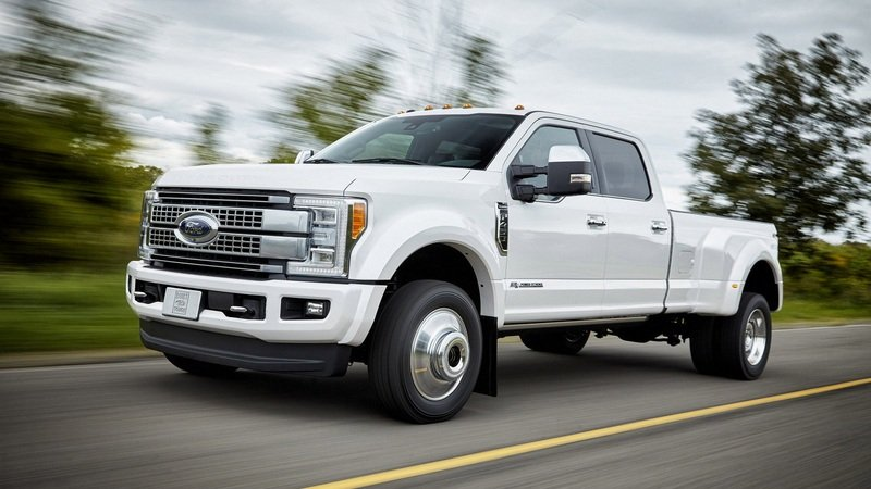 Ford Recalls 2017 Super Duty over Fuel Tank Straps