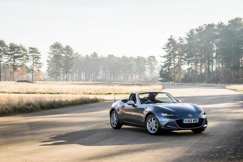 2017 Mazda MX-5 Arctic Edition