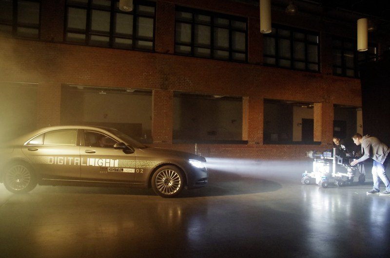 Mercedes Pushes Past Adaptive Headlight Technology With Digital Lights High Resolution - image 697499