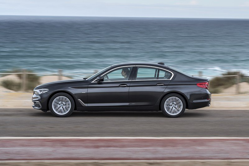 2017 BMW 5 Series High Resolution Exterior - image 703357