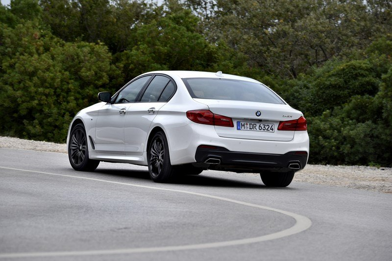 2017 BMW 5 Series High Resolution Exterior - image 703421