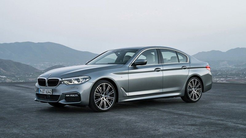 2017 BMW 5 Series - image 703469