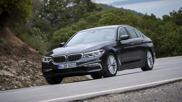 2017 bmw 5 series car review top speed. Black Bedroom Furniture Sets. Home Design Ideas