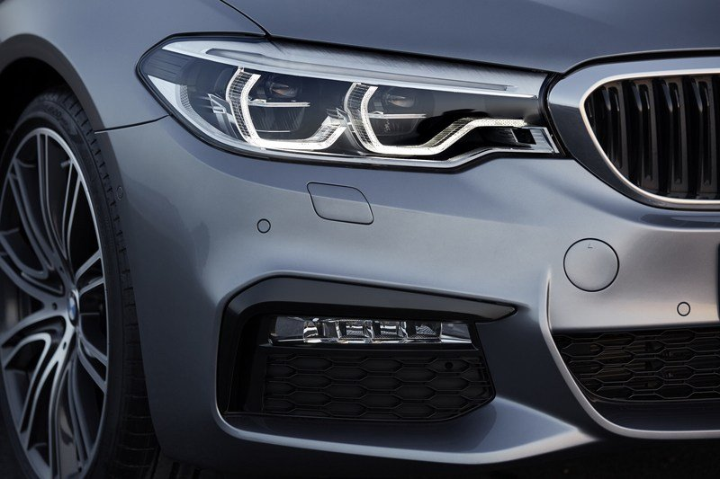 2017 BMW 5 Series High Resolution Exterior - image 703214
